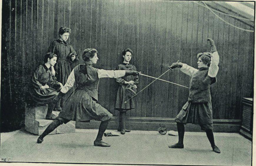 bo3633-fencing-in-hampstead-gymnasium-ca1890