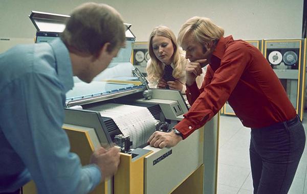 Arbete med D23 1972. Bilden från 27 mars 1972. Foto: Å. Andersson. Bild ur Saab:s historiska arkiv hos Centrum för Näringslivshistoria.